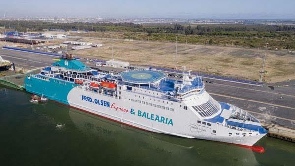 Baleària y Fred. Olsen Express comienzan a operar en la ruta entre Huelva y  Canarias  141ab2b6dc9